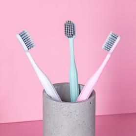 Szczoteczka do zębów, z PLA, włosie średnie, kolor rączki do wyboru